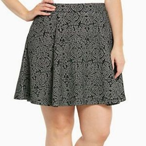 Torrid Black with Silver Embellished Skirt Size 00